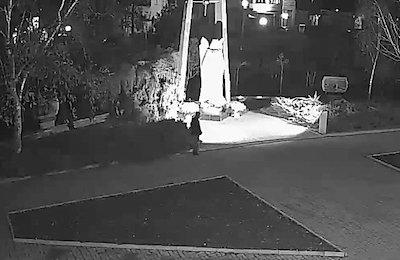Свежие новости: В Николаеве мужчина украл прожектор, который освещал памятник